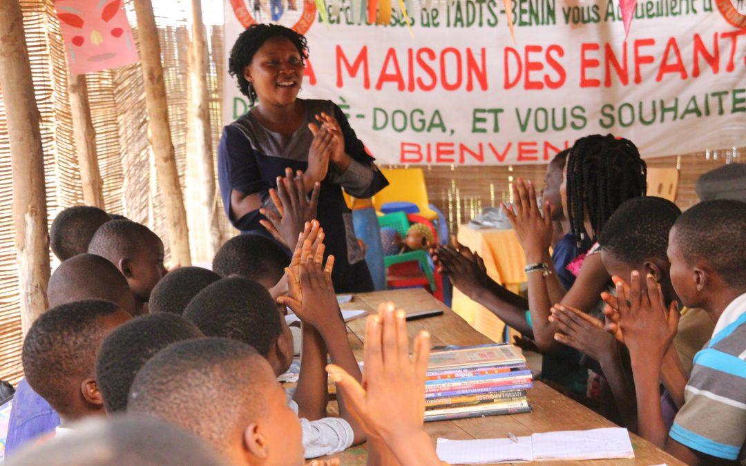 Par le slam, les enfants prennent la parole, portent leurs droits et font des plaidoyers